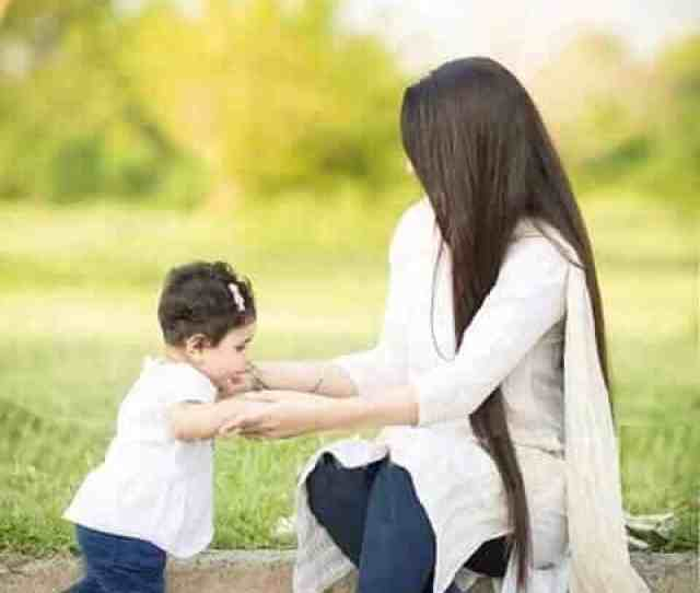 Pakistani Mother Daughter Outfits 18