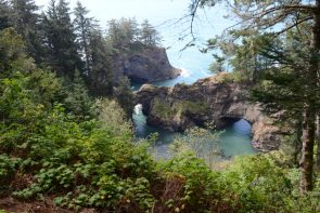 Ocean Arches north of Brookings OR