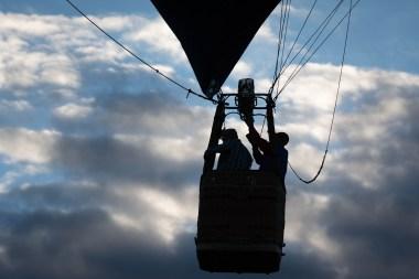 Balloon pilots at work