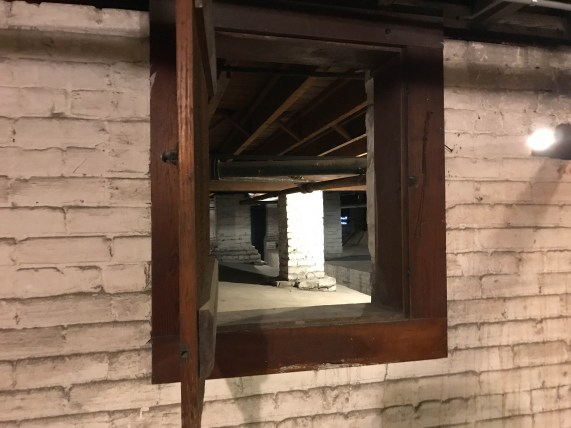 Vent between areas of the basement helps avoid collapse during flooding