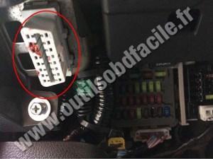 OBD2 connector location in Honda Accord (2008  )  Outils OBD Facile