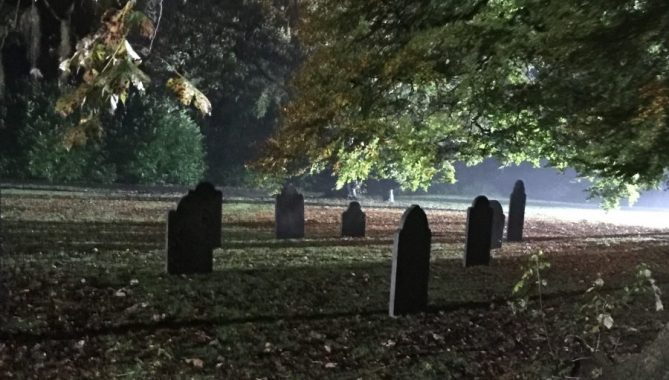 filming outlander season 4, graveyard scene, Outlander Cast blog