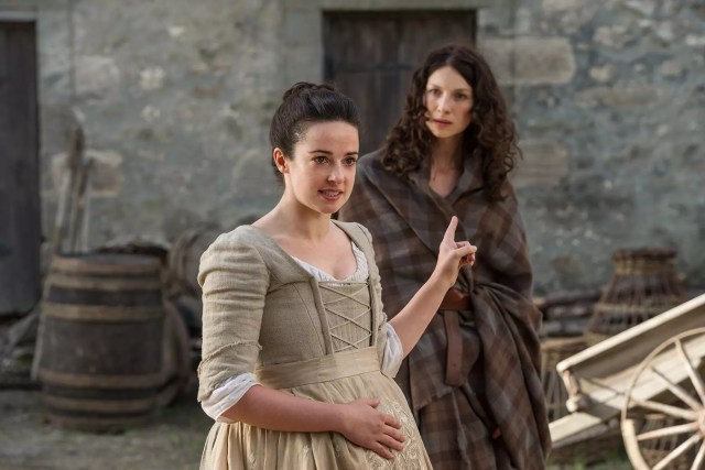 Laura Donnelly (Jenny Fraser Murray) and Caitriona Balfe (Claire Randall Fraser)