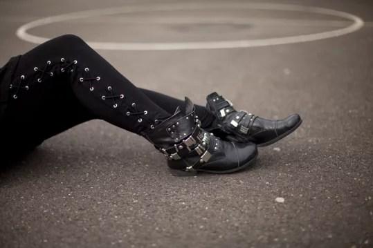 anfibi biker donna e leggings laceup