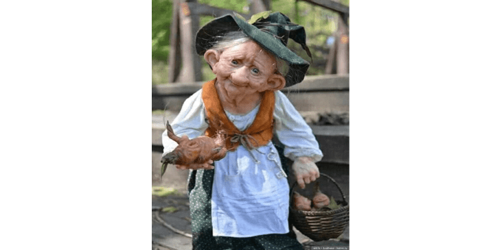 Magical old woman appeared on Facebook! know the real truth