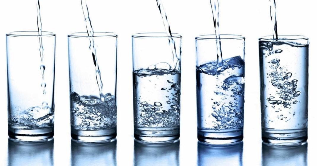 জল খান-in winter eat 8 - 10 glasses of water regularly