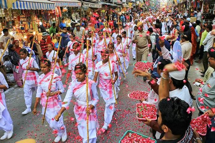 Outlook India Photo Gallery - Rashtra Sevika Samiti (RSS women wing)