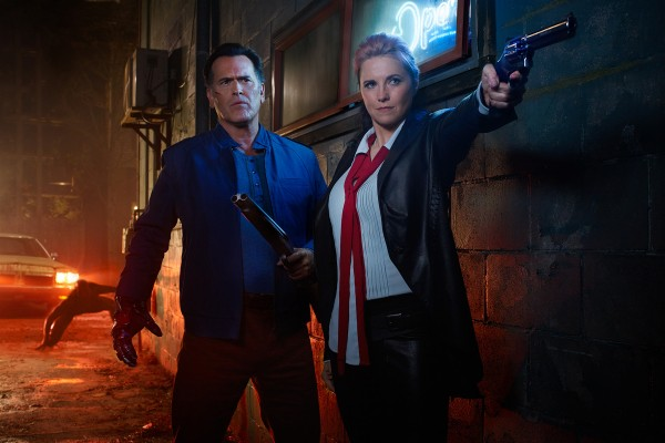ash-vs-evil-dead-bruce-campbell-lucy-lawless-600x400