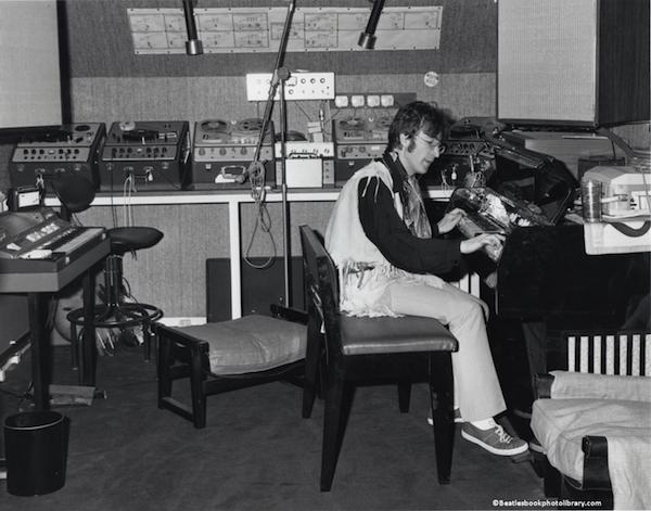 John Lennon - Weybridge 1967
