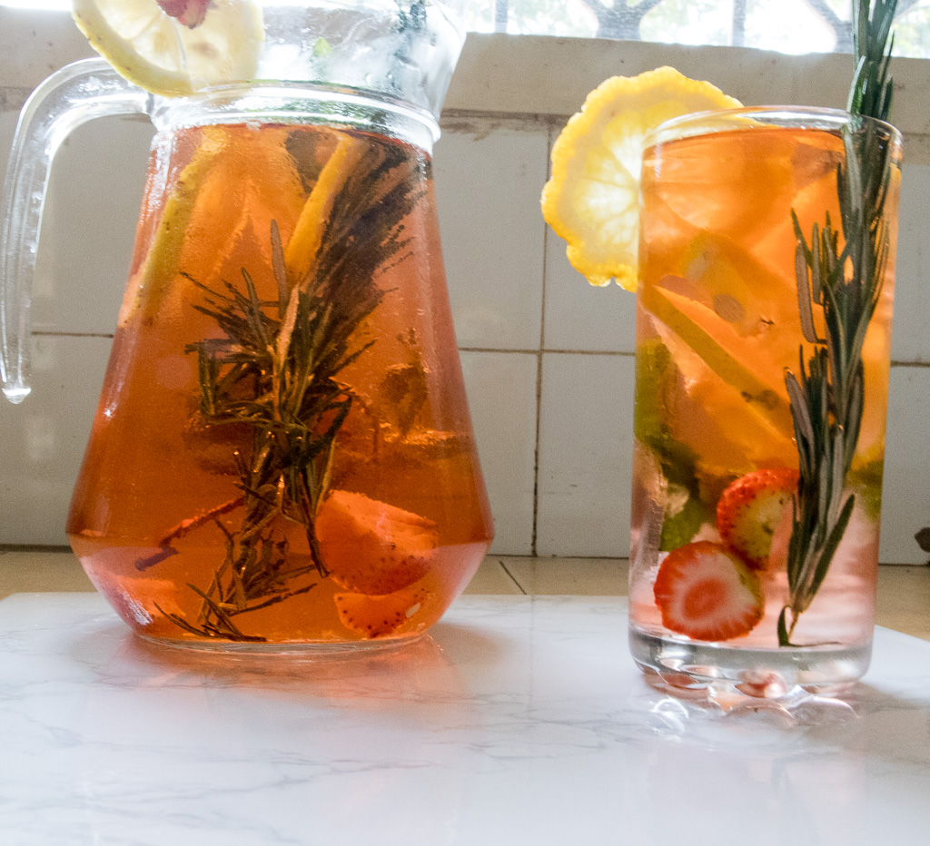 Strawberry,Lemon,Rosemary detox water