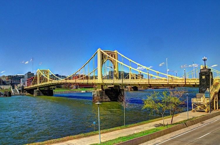Uma das 466 pontes de Pittsburgh