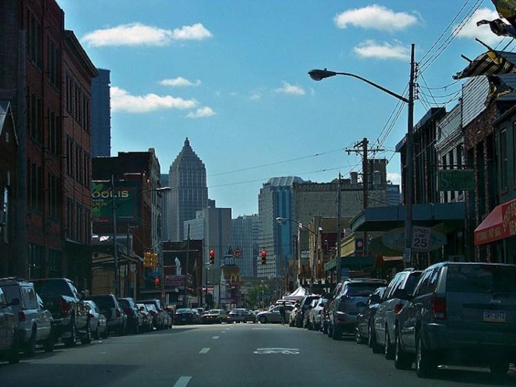 "Vista do ""Strip District"" do centro da cidade Pittsburgh"