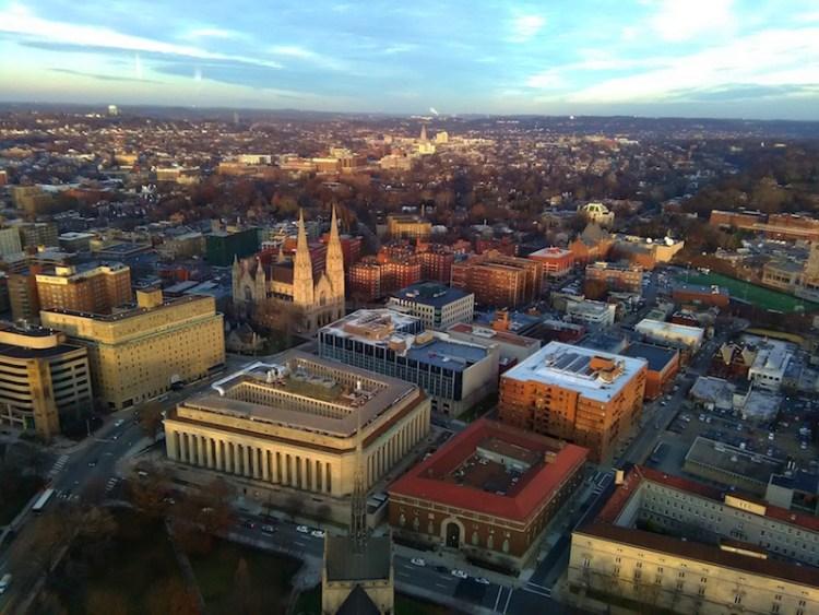 Vista de cima da Catedral do Ensinamento Pittsburgh