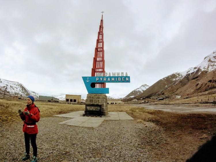 Svalbard Noruega cidade abandonada Pyramiden propaganda sovietica