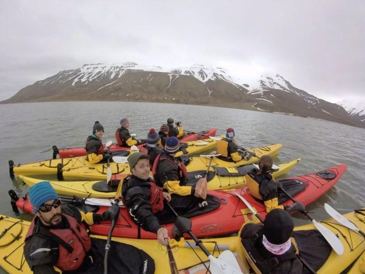 Caiaque em Svalbard na Noruega