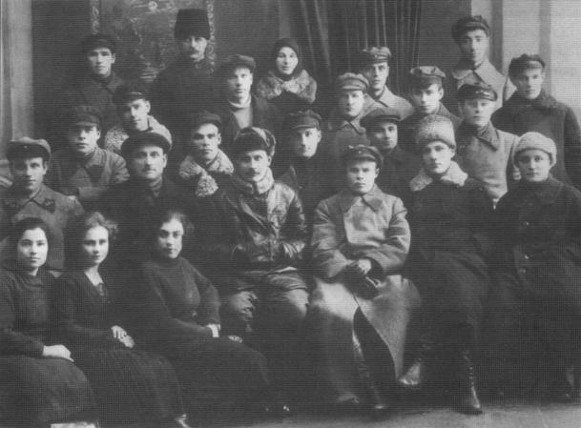 Funcionarios de la Cheka de Uman en 1920.