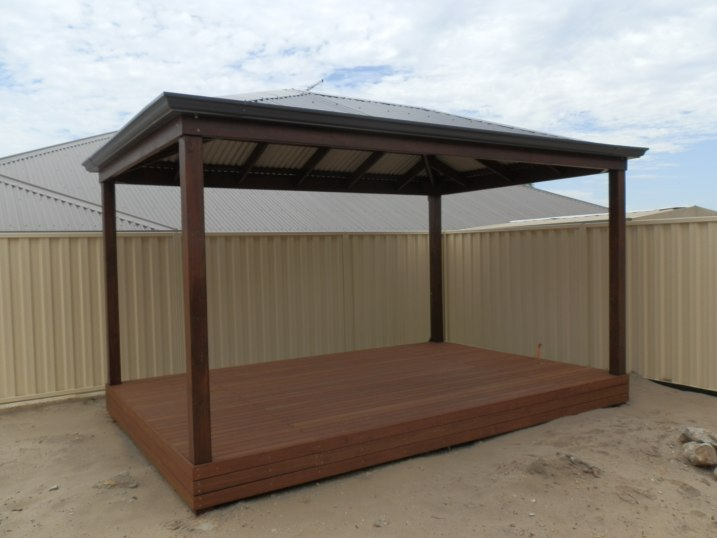 Gazebo for a tropical garden by Outside Concepts Perth