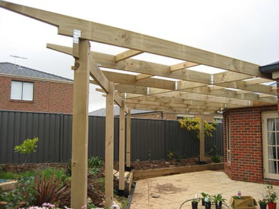 • Want a traditional Canberra pergola, that's free-standing and open-roofed? You've come to the right place. Plus Outside Concepts designs and builds non-traditional Canberra pergolas too.