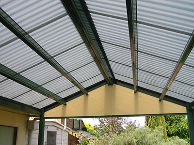 Polycarbonate roofing is a great solution if you want to let more light into your patio, pergola, verandah or carport.