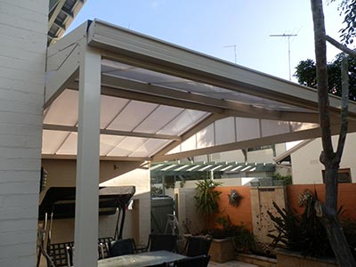 Using aluminium in your outdoor living area is far from a lightweight choice.