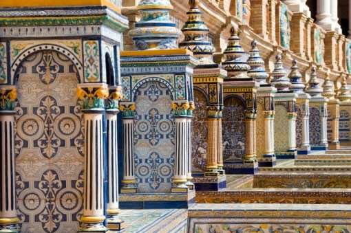 Tile benches at Plaza Espana