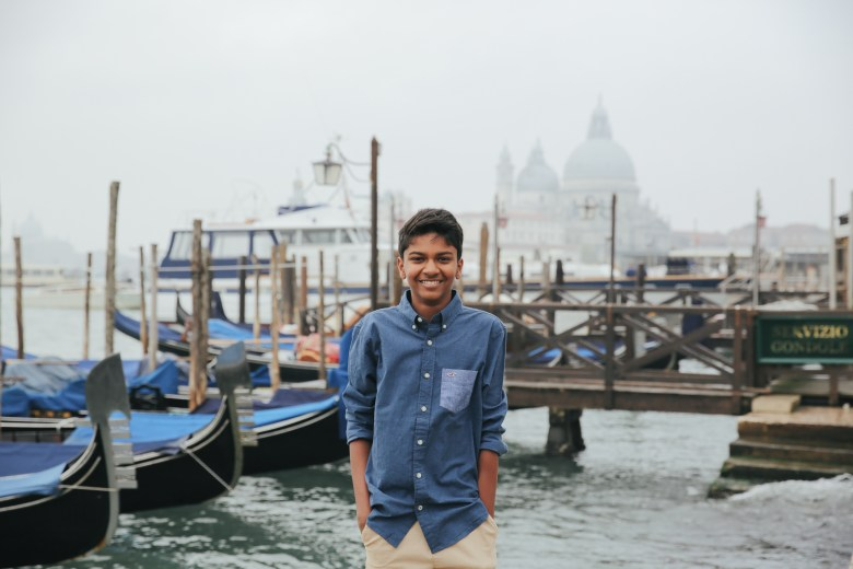 A Family Photo shoot in Venice with Flytographer