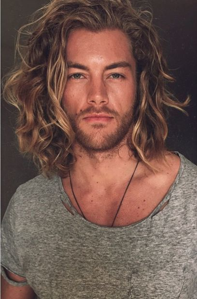 Surfer Long Haircut & Stubble