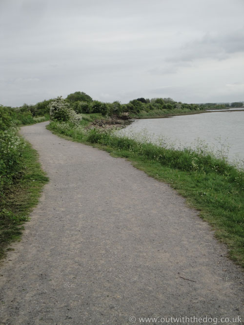 Riverside Country Park Footpath 4