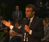 Emmanuel Macron : « Il faut réfléchir au statut de l'information »