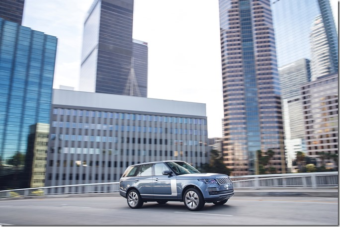 2018 Range Rover PHEV in Action (6)
