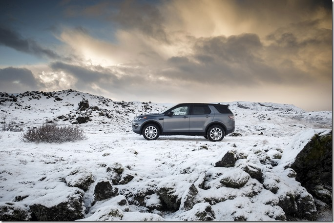 Land Rover Discovery Sport in Iceland - Corris Grey (2)