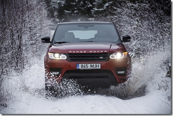 MY2014 Range Rover Sport in the Snow (4)
