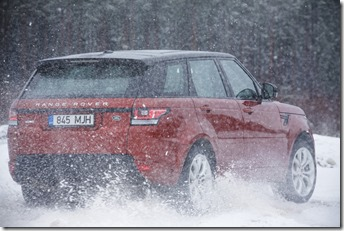 MY2014 Range Rover Sport in the Snow (8)