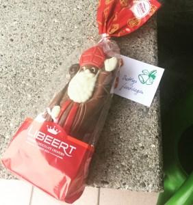 Sinterklaas, chocolade, cadeautje, bij de voordeur, blog, advent
