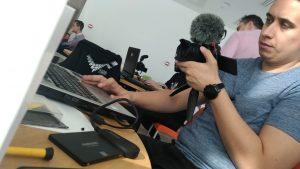 Bogdan Pricope testând noul SSD 860 EVO de 250 GB