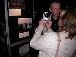 Leen Valstar en Jan Buskes tijdens de presentatie van het boek.