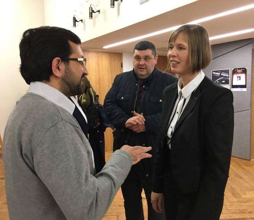 Dr Yar Muhammad talking to the President of Estonia