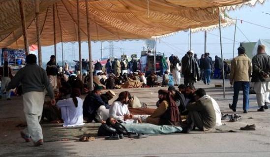 deadline to end Faizabad Protest
