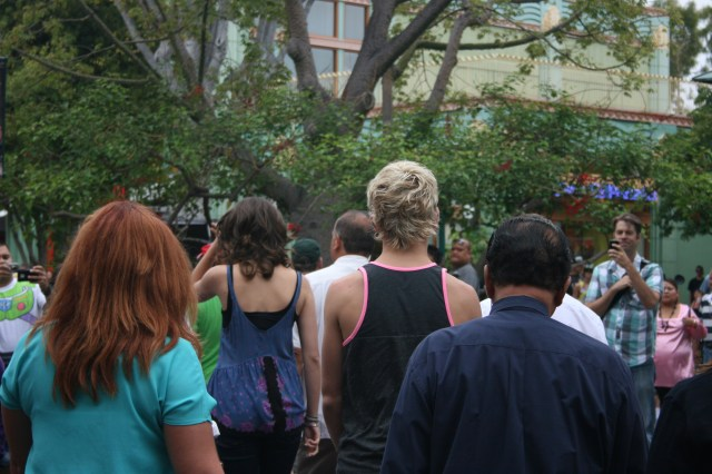 Ladies and Gentleman, may I present to you...the backside of Ross Lynch!