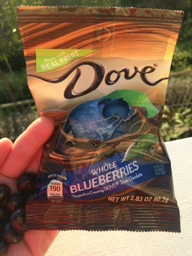 dove-fruits-blueberry