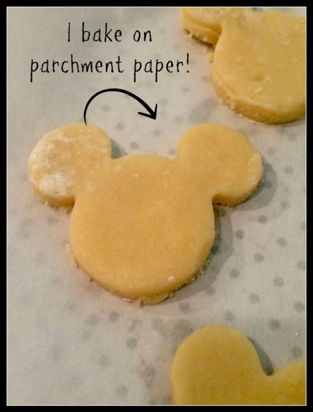 Not-So-Spooky-Mickey-Mouse-Halloween-Cookies-Baking
