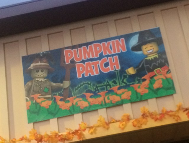 Legoland-California-Resort-Brick-Or-Treat-Pumpkin-Patch