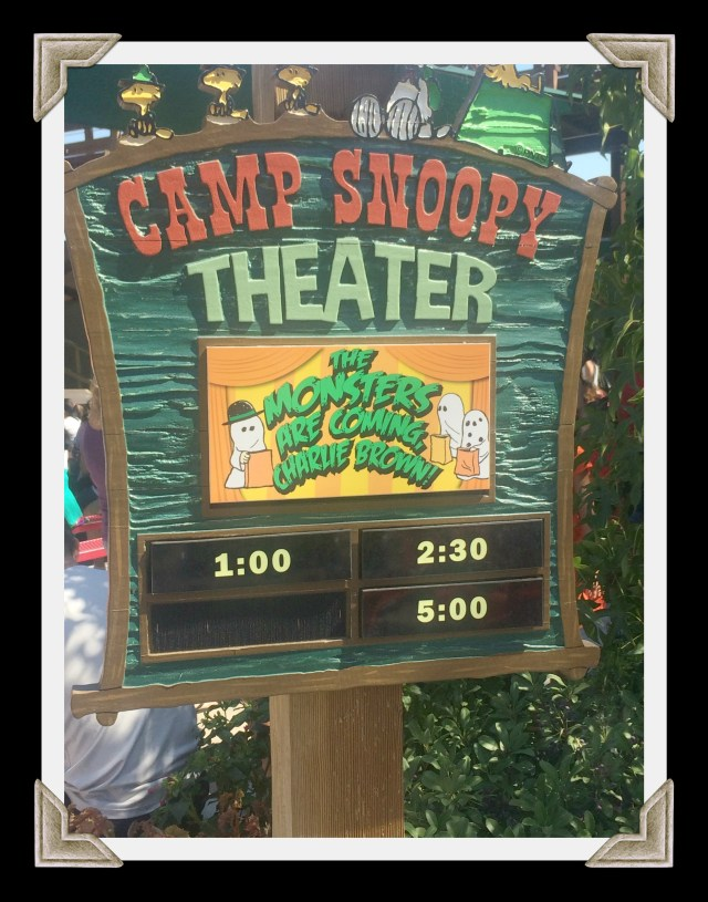 knotts-spooky-farm-camp-snoopy-theater
