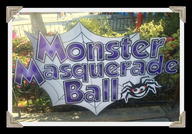 knotts-spooky-farm-monster-masquerade-ball
