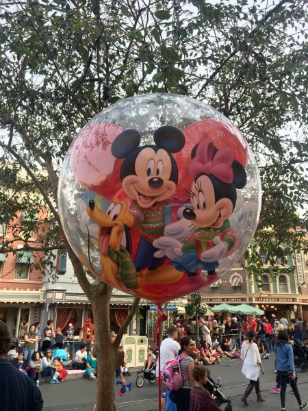 Disney-Holidays-Balloon