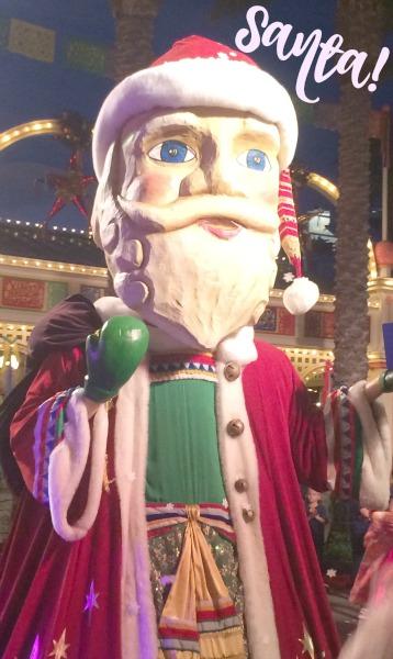 Disney-Holidays-Viva-Navidad-Santa