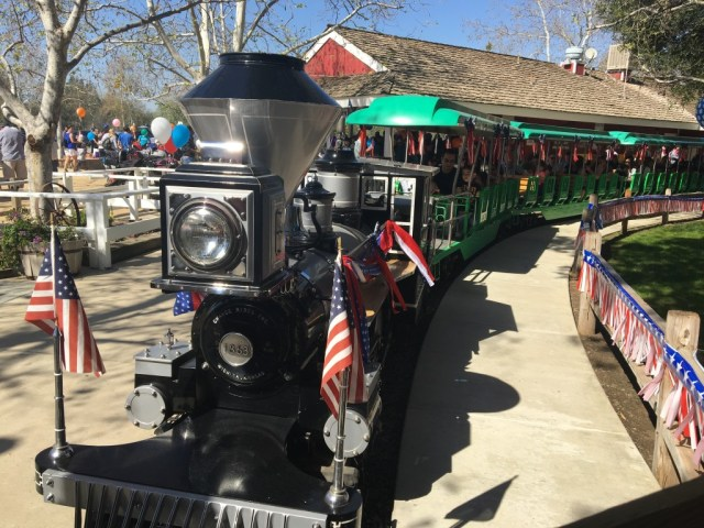 irvine-park-railroad-easter-eggstravaganza-train