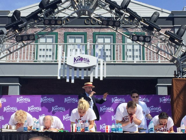 Knotts-Boysenberry-Festival-contest