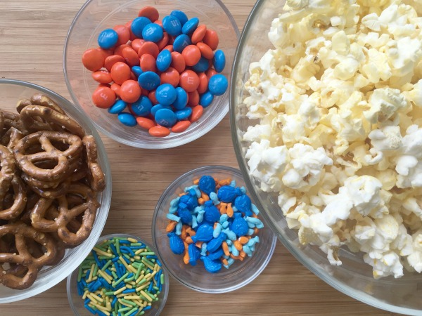finding-dory-snack-mix-ingredients