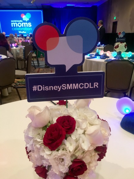 disney-social-media-moms-centerpiece